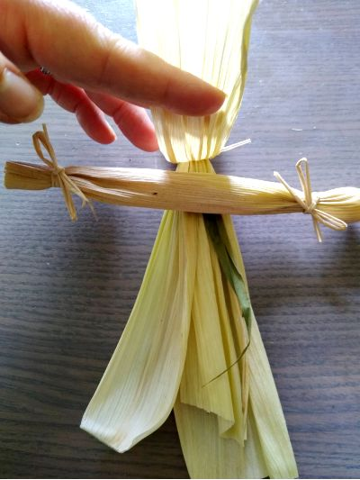 how-to-make-corn-husk-dolls