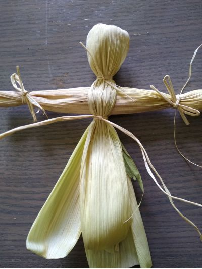 make-basic-body-for-corn-husk-doll