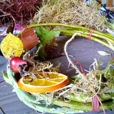 autumn-wreath-making