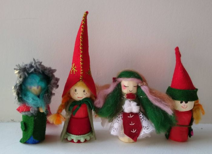 Making Advent Peg Dolls