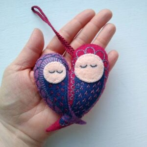 embroidered-felt-mothers-day-gift