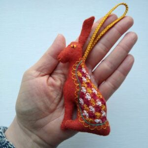 five-in-the-nest-embroidered-hare