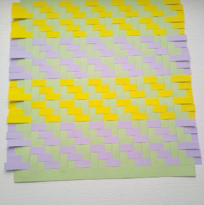 finishing-a-woven-paper-placemat