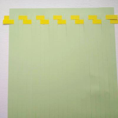working-a-pattern-in-paper-weaving