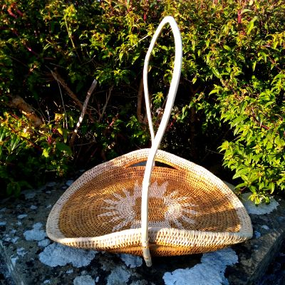 honeysuckle-handle-basket