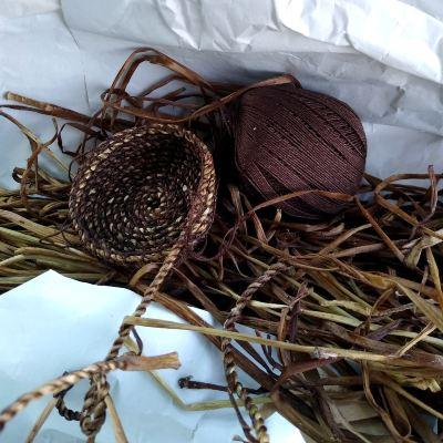dandelion-stem-cordage-for-basket-making